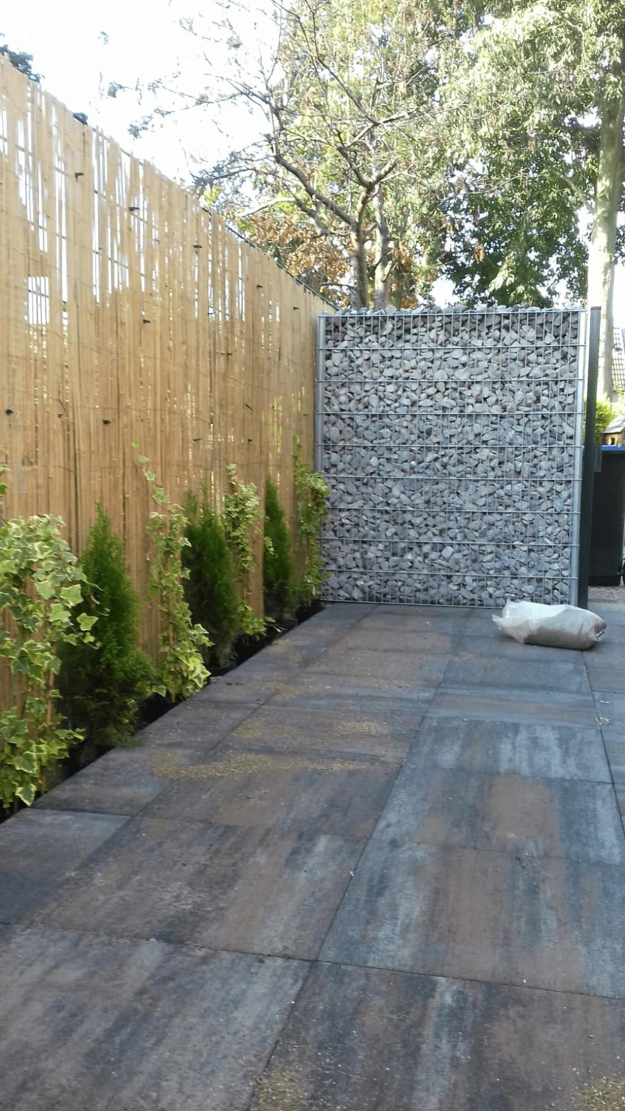 Stil und Sichtschutz mit einem Bambuszaun