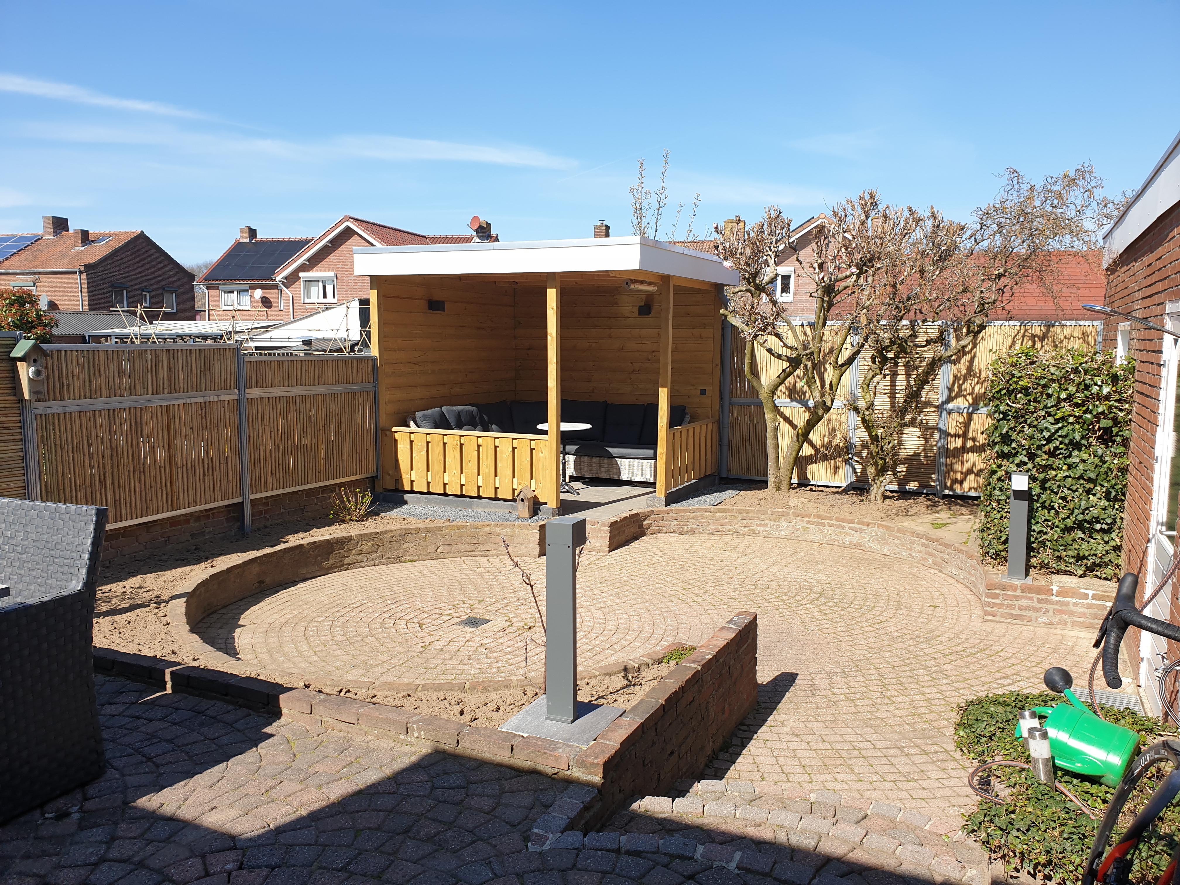 Een zitkuil in je tuin aanleggen: 4 tips